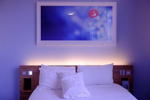 best hotels in Burslem room and bedding